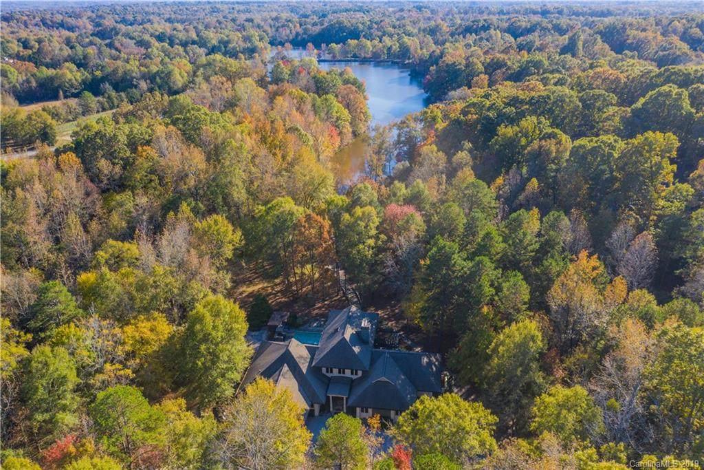 1609 Walden Pond Lane - Photo 1