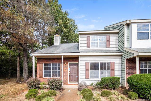 3681 Huyton Court, Charlotte, NC 28215 (#3563262) :: Rowena Patton's All-Star Powerhouse