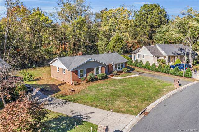 627 Braxfield Drive, Charlotte, NC 28217 (#3565395) :: Stephen Cooley Real Estate Group