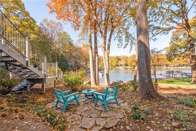 15827 Pineknoll Lane, Huntersville, NC 28078 (#3566570) :: Cloninger Properties
