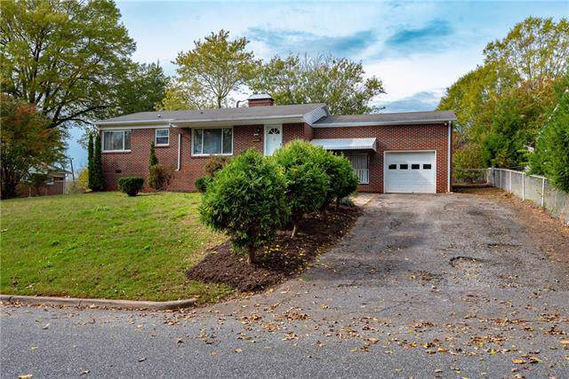 418 8th Street Drive SW, Hickory, NC 28602 (#3567254) :: Homes Charlotte