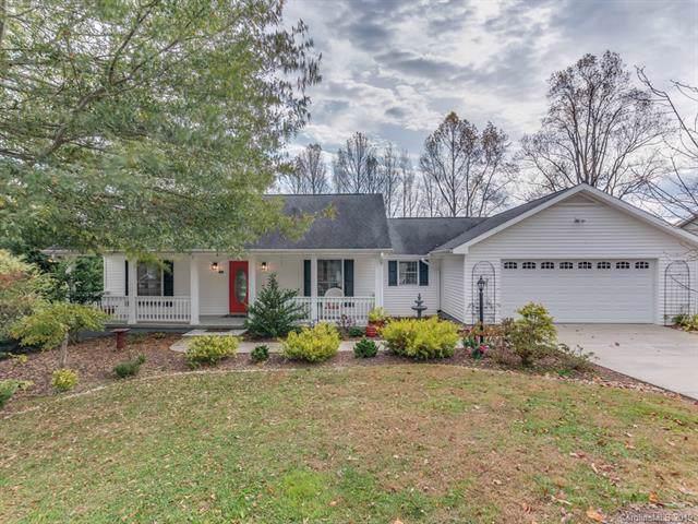 101 Red Cedar Drive, Hendersonville, NC 28792 (#3567493) :: Carver Pressley, REALTORS®