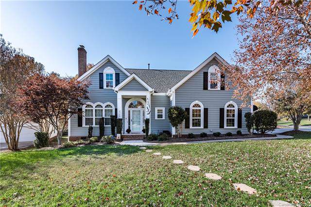 8900 Valewood Court, Charlotte, NC 28210 (#3567913) :: The Andy Bovender Team