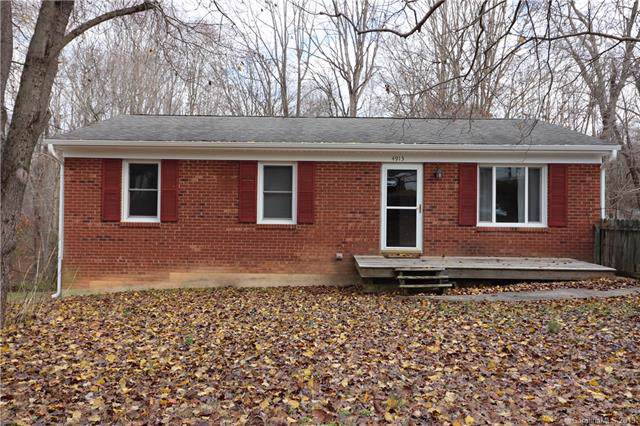 4913 Kaysboro Drive, Winston Salem, NC 27105 (#3569877) :: Stephen Cooley Real Estate Group