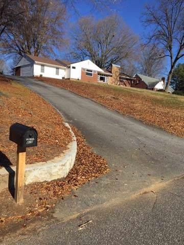 815 NE Ridgecrest Drive NE, Lenoir, NC 28645 (#3570610) :: Austin Barnett Realty, LLC