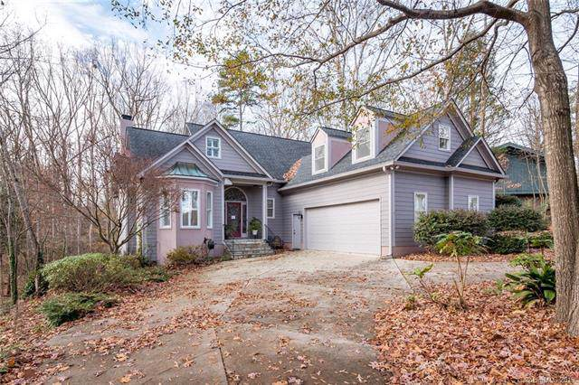 8 Oakwood Lane, Lake Wylie, SC 29710 (#3571244) :: Rowena Patton's All-Star Powerhouse