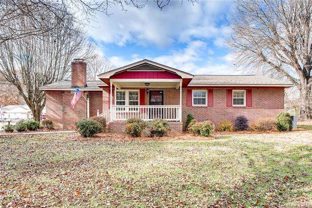 400 Stroupe Street, Mount Holly, NC 28120 (#3571981) :: BluAxis Realty