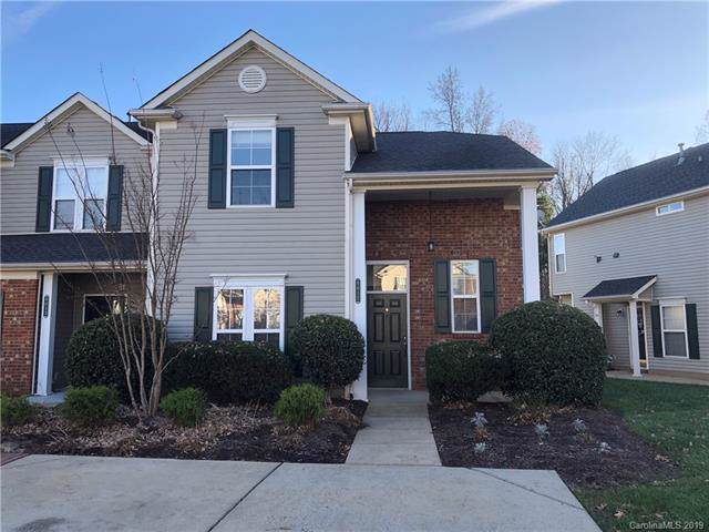 9017 Cinnabay Drive, Charlotte, NC 28216 (#3572962) :: Stephen Cooley Real Estate Group