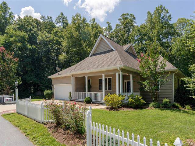 51 Carriage Summitt Way, Hendersonville, NC 28791 (#3573165) :: Roby Realty