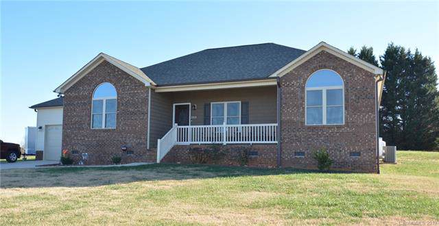 2213 Carriage Lane, Lincolnton, NC 28092 (#3573432) :: Roby Realty
