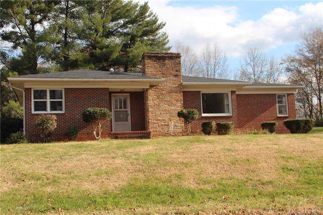 737 8th Street, Hickory, NC 28602 (#3575489) :: Exit Realty Vistas