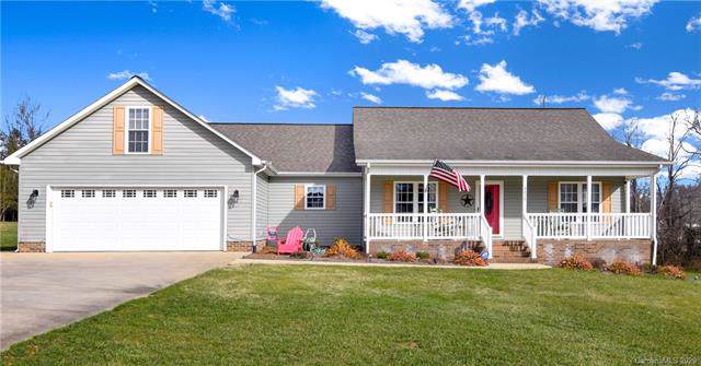 4425 Frank Dellinger Lane, Maiden, NC 28650 (#3577258) :: Carlyle Properties