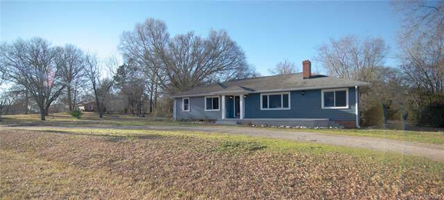 1588 Falls Road, Rock Hill, SC 29730 (#3577362) :: Carlyle Properties