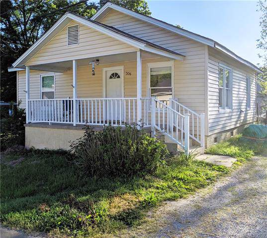 306 Adrian Street, Mount Holly, NC 28120 (#3579300) :: Carlyle Properties