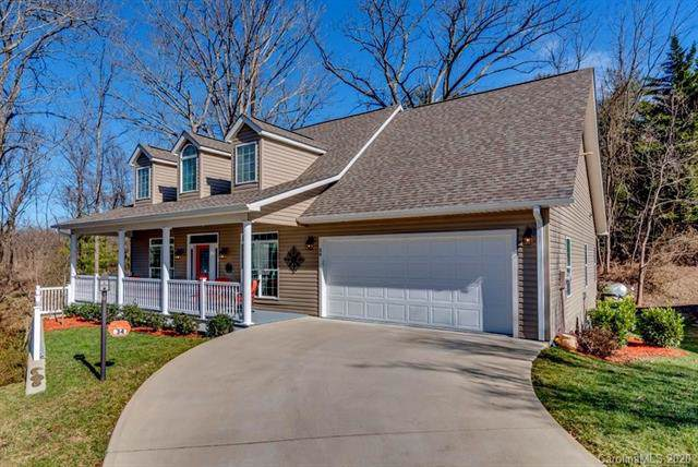 34 Waterbury Court, Hendersonville, NC 28791 (#3585456) :: Caulder Realty and Land Co.