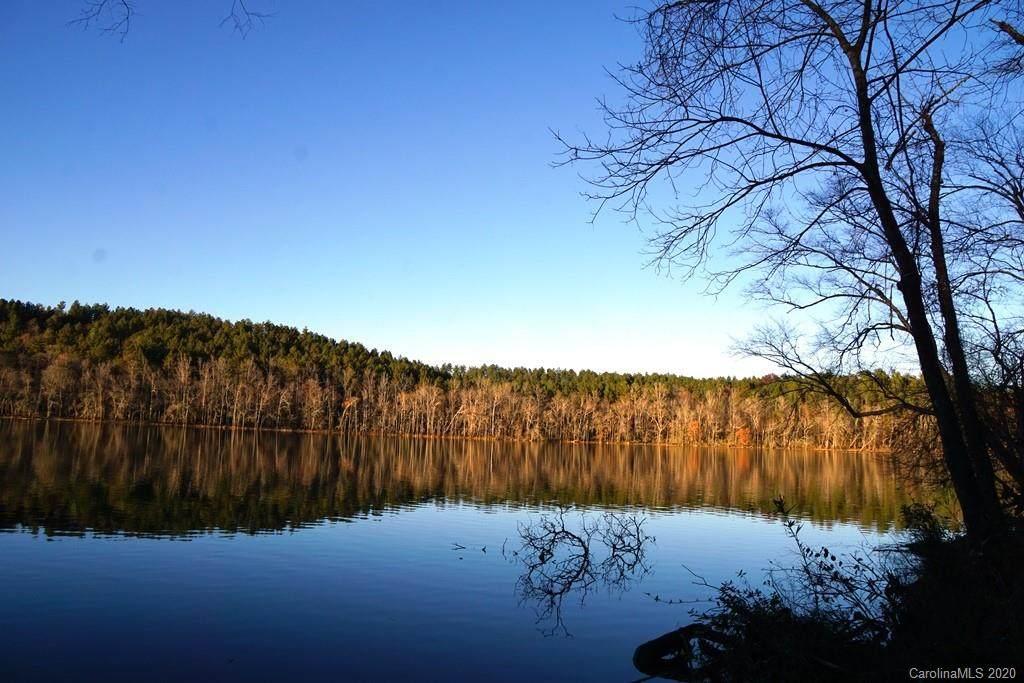 189 Edgewater Point - Photo 1