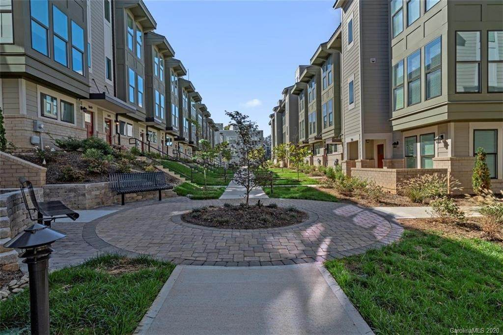 340 Uptown West Drive - Photo 1