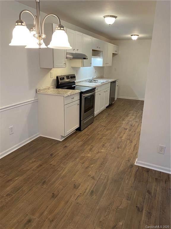 702 Farmhurst Drive G, Charlotte, NC 28217 (#3607026) :: Carolina Real Estate Experts