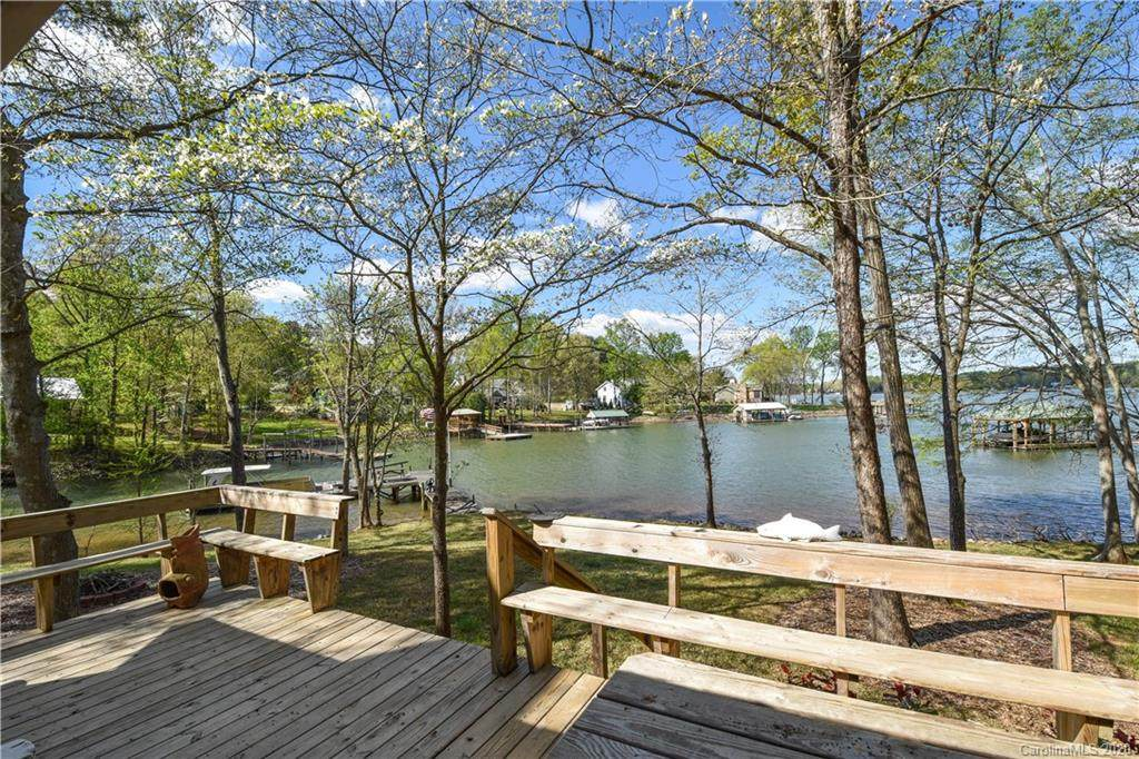668 Lakeview Shores Loop - Photo 1