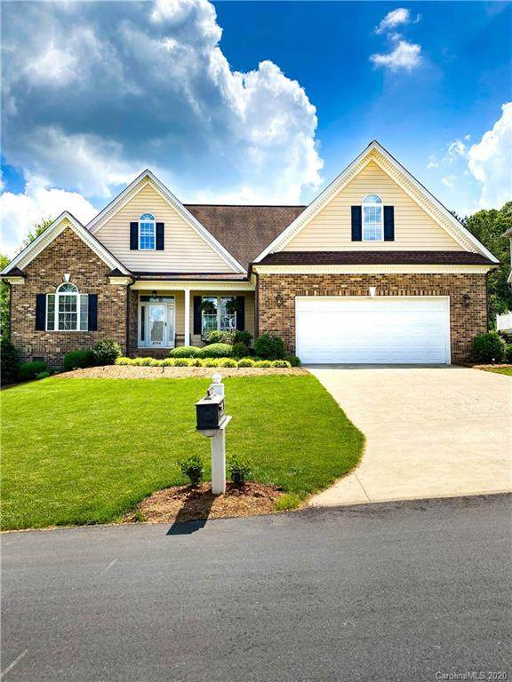 4759 Meadow Lark Lane, Hickory, NC 28602 (#3620770) :: Homes Charlotte