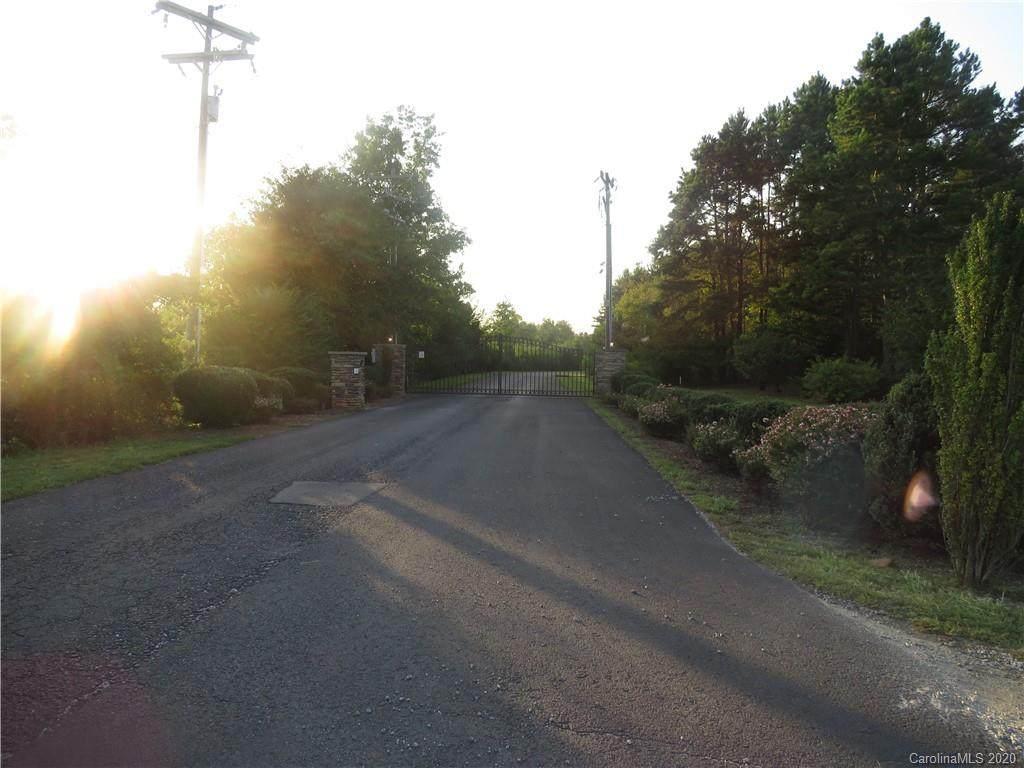 104 Stoney Brook Drive - Photo 1