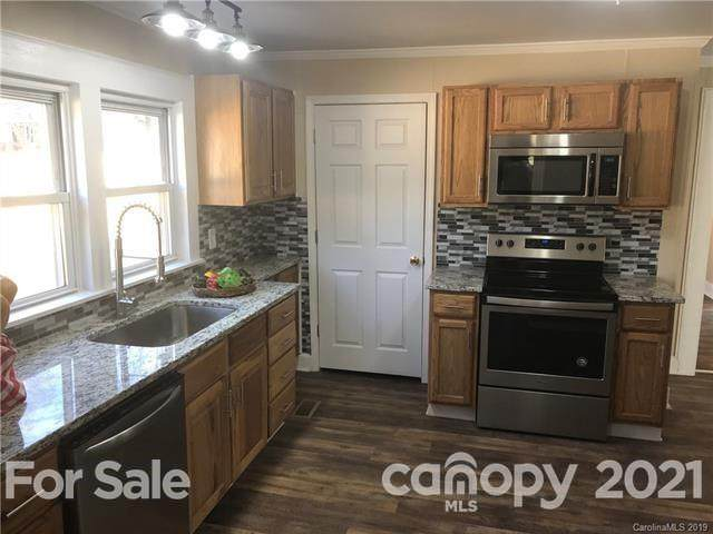 19705 Center Street, Cornelius, NC 28031 (#3713111) :: LePage Johnson Realty Group, LLC