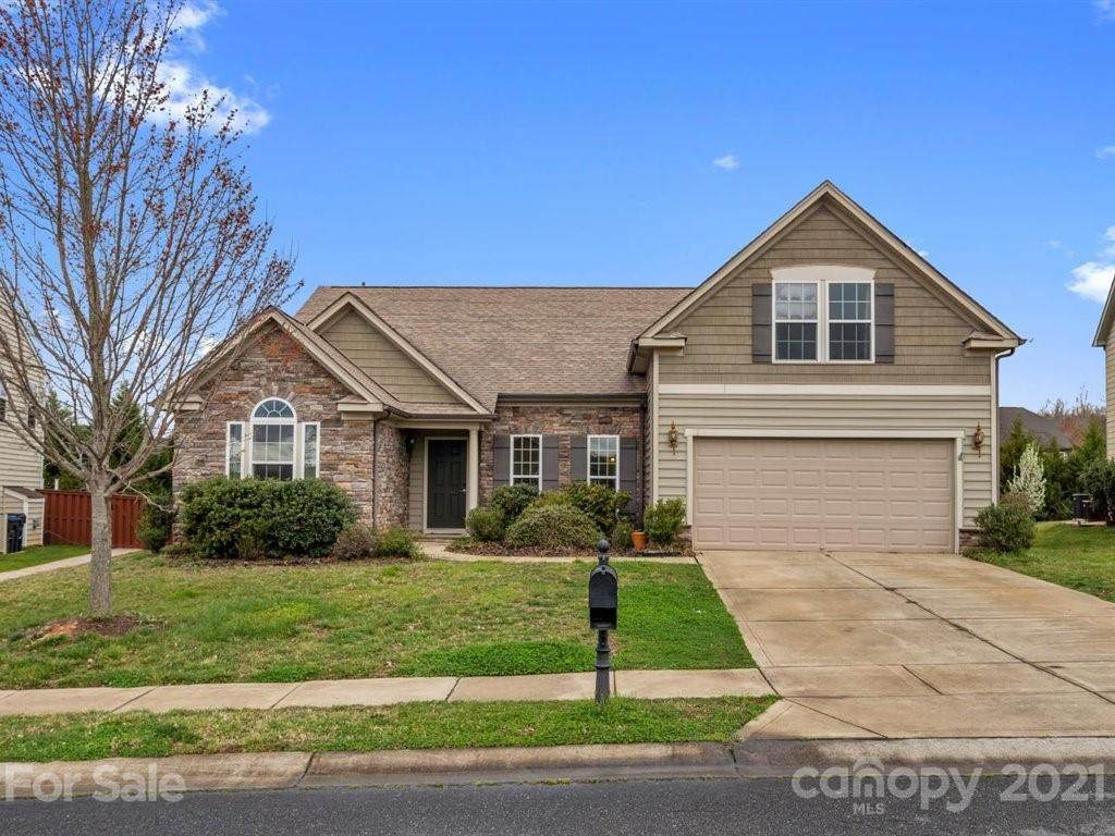 2033 Clover Hill Road - Photo 1