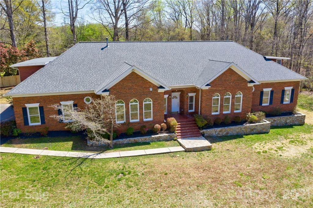 11600 Idlewild Road - Photo 1