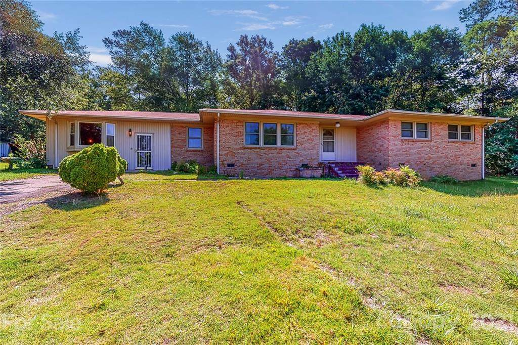 2914 Forest Hills Circle - Photo 1