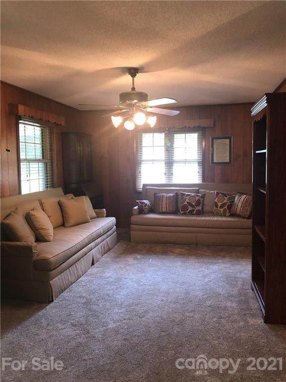 330 Excelsior Drive, Connelly Springs, NC 28612 (#3759558) :: Scarlett Property Group