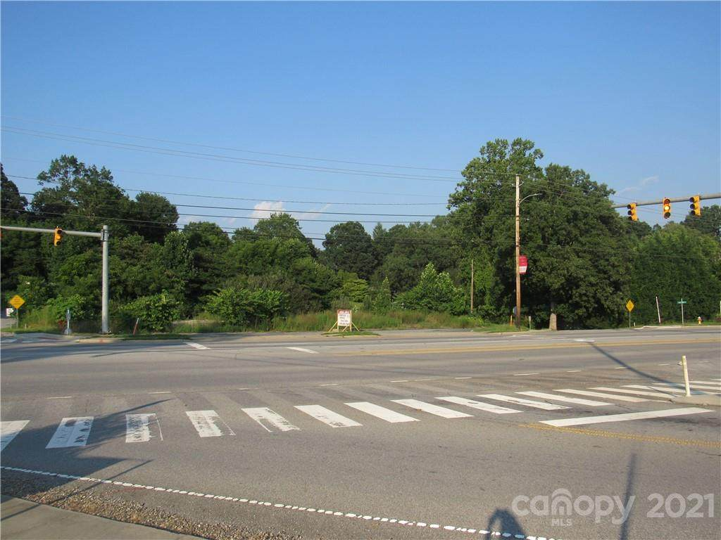 3008 Hendersonville Road - Photo 1