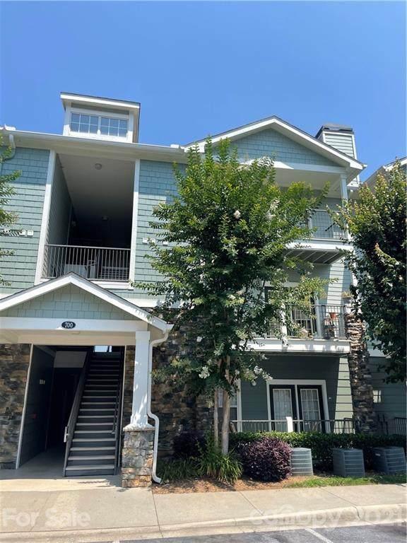 700 Vista Lake Drive #303, Candler, NC 28715 (#3766267) :: Home Finder Asheville