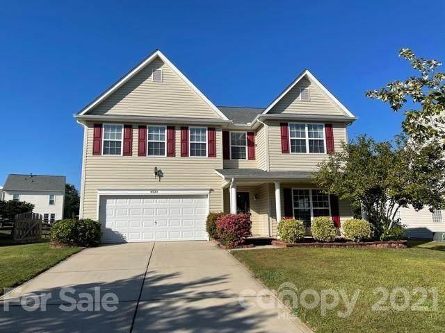 4325 Owls Perch Drive, Charlotte, NC 28278 (#3787590) :: Scarlett Property Group