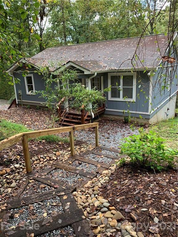 302 Rich Mountain Road, Flat Rock, NC 28731 (#3794502) :: High Vistas Realty