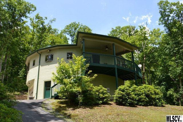 7711 Parks Mountain Drive, Jonas Ridge, NC 28641 (#9579660) :: Exit Mountain Realty