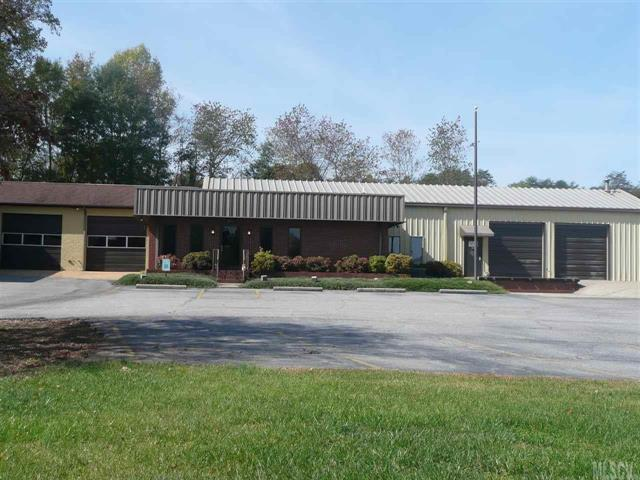 2616 Northwest Boulevard, Newton, NC 28658 (#9585016) :: Caulder Realty and Land Co.
