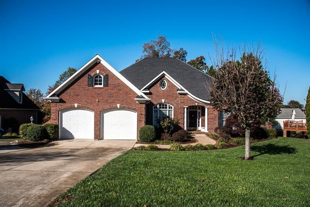 952 44th Ave Court NE, Hickory, NC 28601 (#9596622) :: LePage Johnson Realty Group, LLC