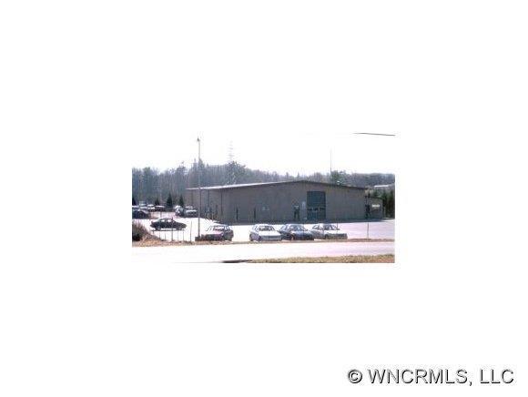 577 Upward Road, Flat Rock, NC 28731 (#NCM456035) :: Caulder Realty and Land Co.
