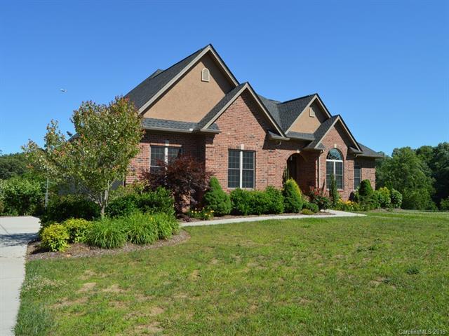 75 Ridgeview Hill Drive, Hendersonville, NC 28791 (#3346250) :: Rinehart Realty