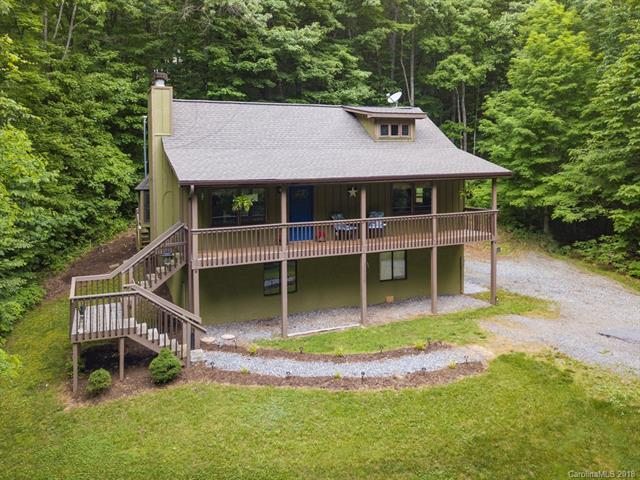 369 Fern Trail, Waynesville, NC 28786 (#3346940) :: The Temple Team