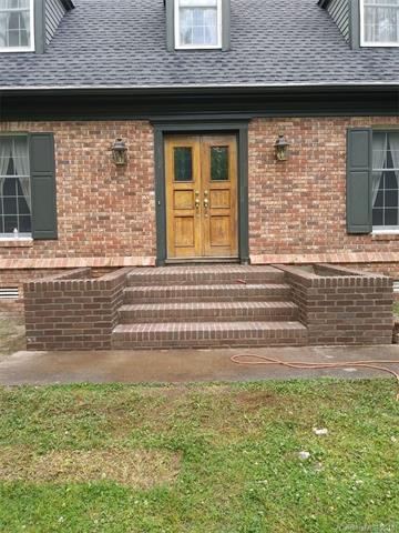 102 Finley Street #10, Hendersonville, NC 28739 (#3350637) :: Puffer Properties