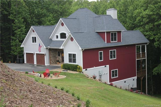 3012 Hickory Nut Trail, Hendersonville, NC 28739 (#3353107) :: RE/MAX Four Seasons Realty