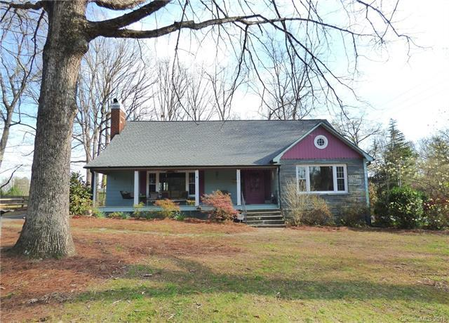 1004 E Broad Street, Statesville, NC 28677 (#3363351) :: LePage Johnson Realty Group, LLC