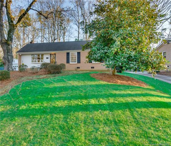 3010 Spring Valley Road, Charlotte, NC 28210 (#3364367) :: The Sarver Group