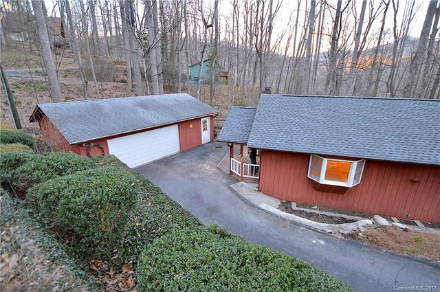 624 Locust Drive, Maggie Valley, NC 28751 (#3365999) :: LePage Johnson Realty Group, LLC