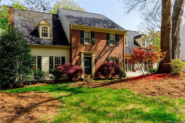 2632 Oxborough Drive, Matthews, NC 28105 (#3367998) :: Miller Realty Group