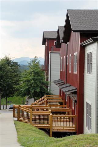 200 N Skyloft Drive #3, Asheville, NC 28801 (#3368323) :: High Performance Real Estate Advisors