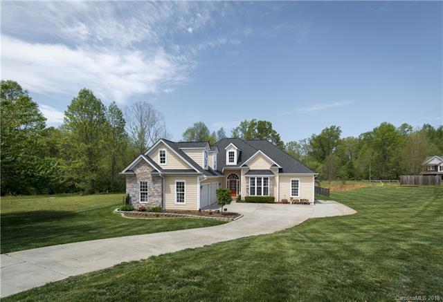 107 Bluegrass Circle #32, Mooresville, NC 28117 (#3373335) :: Phoenix Realty of the Carolinas, LLC