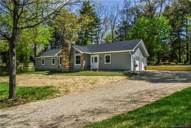 3227 Hickory Hill Road, Hendersonville, NC 28792 (#3374351) :: Odell Realty Group