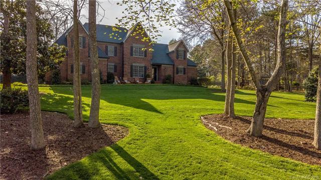 8415 Foxbridge Drive, Matthews, NC 28104 (#3377217) :: High Performance Real Estate Advisors